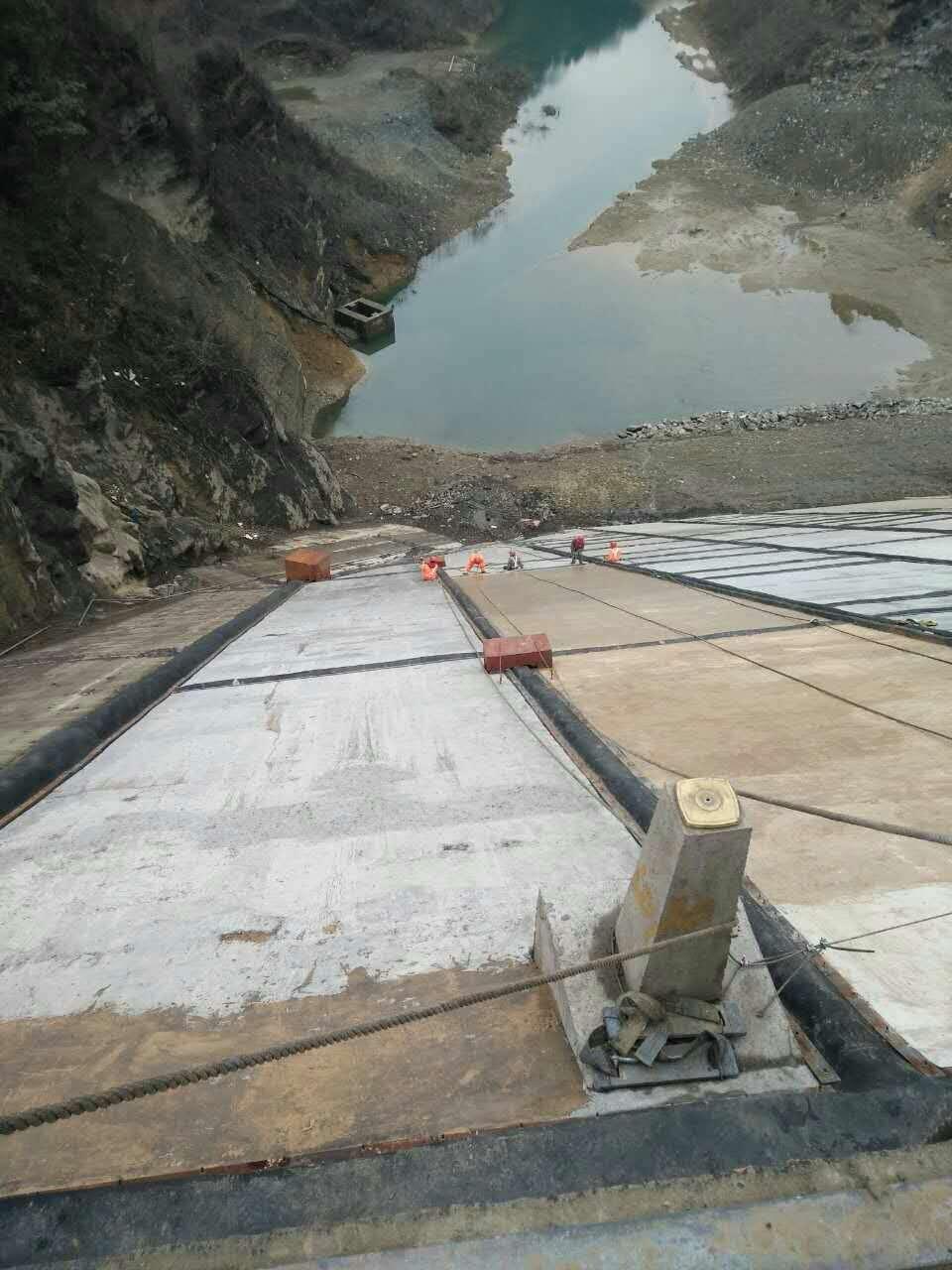 水利大坝聚脲材料施工